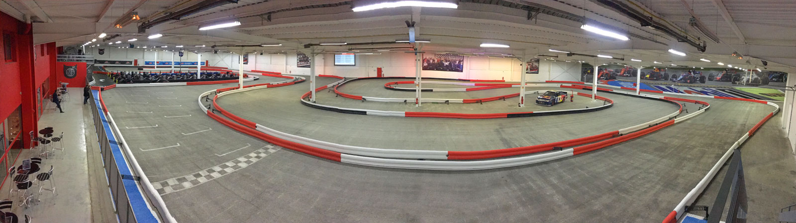 Lyon Location indoor kart racing
